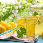 Here's How to Detox your Body with Warm Lemon Water (+11 Recipes)