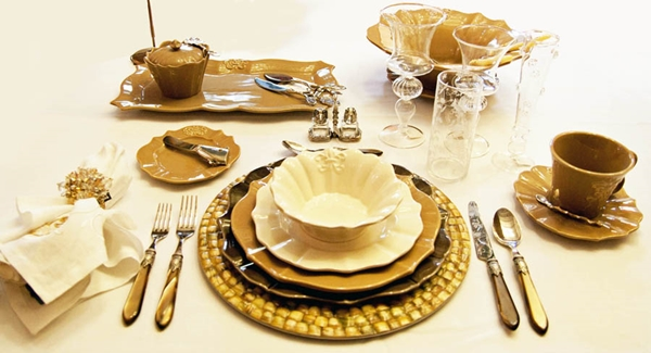 Nevertheless Formal Place Setting can usually be observed in weddings high end restaurant serving multiple courses official meetings and dinner parties. & Formal Place Setting for Every Occasion (Step by Step Guide ...
