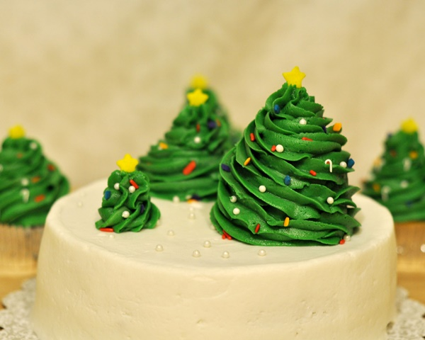 Easy Christmas Cake Decorating Ideas For Beginners.Super Easy Christmas Cake Decorating Ideas
